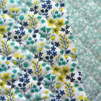 Tissu matelassé coton vert réversible imprimés fleurs