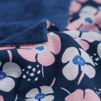 Tissu molleton Alpfleece envers polaire bleu marine fleurs