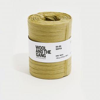 Fil à crocheter Ra Ra Raffia dune green - Wool and the Gang