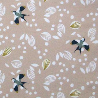 Tissu cretonne de coton vieux rose à motifs hirondelles et pétales