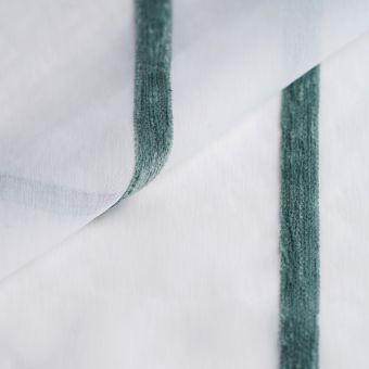 Tissus voilage translucide blanc à rayures fil chenille vertes