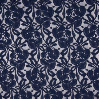 Tissu dentelle polyamide coton motifs roses bleus marine