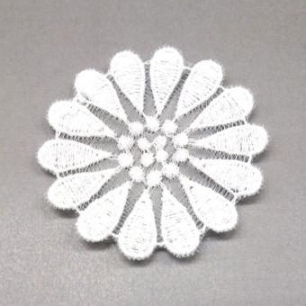 Fleur pâquerette en broderie à coudre - fait en France