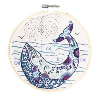 Kit cercle à broder Madeleine la Baleine 15 cm- Un Chat dans l'Aiguille