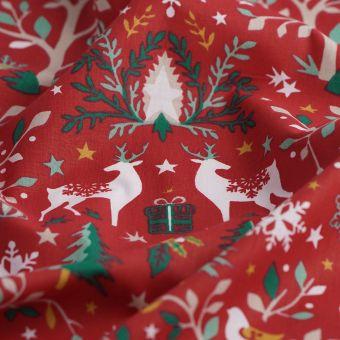 Tissu de Noël cretonne rouge sapins rennes