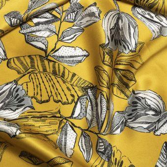 Tissu satin de soie ocre doré imprimé fleurs graphiques fait en Italie