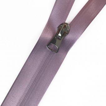 Fermeture à glissière étanche effet satiné lilas au mètre